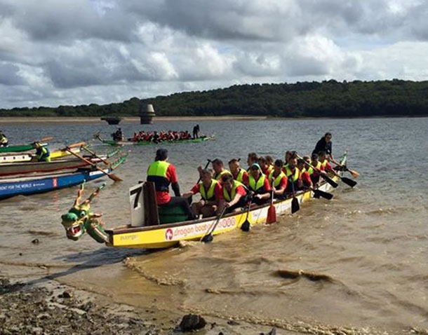 P Major and Daughters Sevenoaks Weald Dragon Boat Race